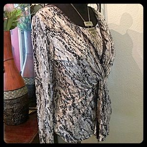 🌷Ellen Tracy Python Print Front Layered Blouse🌷